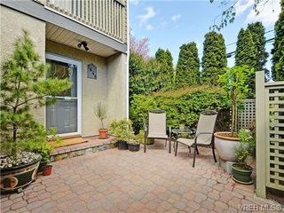 Photo 2: 1646 Myrtle Ave in VICTORIA: Vi Oaklands Row/Townhouse for sale (Victoria)  : MLS®# 701228