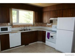 Photo 6: 52 PRICE Crescent in Regina: Walsh Acres Single Family Dwelling for sale (Regina Area 01)  : MLS®# 540194