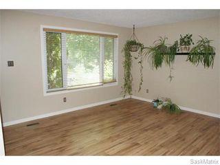 Photo 5: 52 PRICE Crescent in Regina: Walsh Acres Single Family Dwelling for sale (Regina Area 01)  : MLS®# 540194