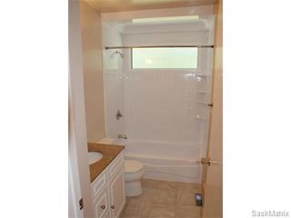Photo 14: 52 PRICE Crescent in Regina: Walsh Acres Single Family Dwelling for sale (Regina Area 01)  : MLS®# 540194