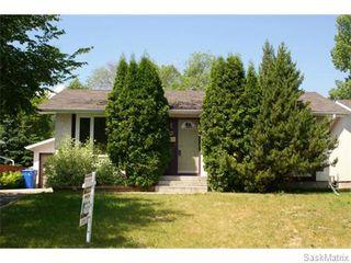 Photo 1: 52 PRICE Crescent in Regina: Walsh Acres Single Family Dwelling for sale (Regina Area 01)  : MLS®# 540194