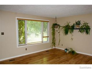 Photo 3: 52 PRICE Crescent in Regina: Walsh Acres Single Family Dwelling for sale (Regina Area 01)  : MLS®# 540194