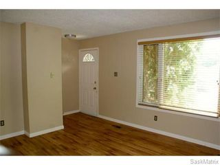 Photo 4: 52 PRICE Crescent in Regina: Walsh Acres Single Family Dwelling for sale (Regina Area 01)  : MLS®# 540194