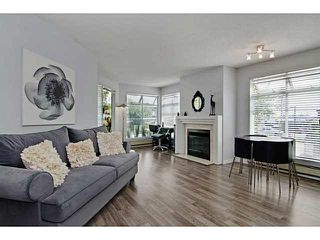 "Photo 3: 3111 33 CHESTERFIELD Place in North Vancouver: Lower Lonsdale Condo for sale in ""Harbourview Park"" : MLS®# V1134288"