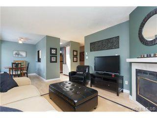 Photo 5: 302 1039 Caledonia Ave in VICTORIA: Vi Central Park Condo for sale (Victoria)  : MLS®# 710816