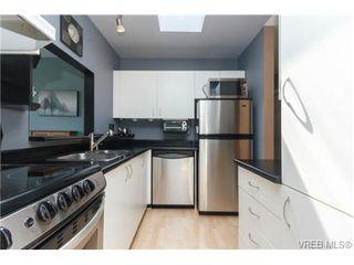 Photo 7: 302 1039 Caledonia Ave in VICTORIA: Vi Central Park Condo for sale (Victoria)  : MLS®# 710816