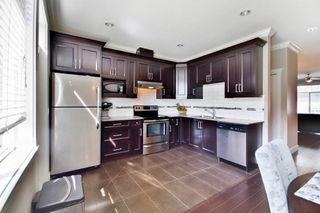 """Photo 6: 51 15399 GUILDFORD Drive in Surrey: Guildford Townhouse for sale in """"Guildford Green"""" (North Surrey)  : MLS®# R2053627"""