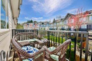 """Photo 10: 51 15399 GUILDFORD Drive in Surrey: Guildford Townhouse for sale in """"Guildford Green"""" (North Surrey)  : MLS®# R2053627"""