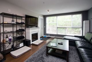 "Photo 9: 106 12075 228 Street in Maple Ridge: East Central Condo for sale in ""RIO"" : MLS®# R2058586"