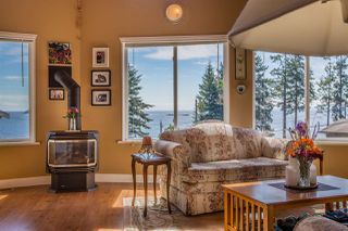 Photo 5: 7064 DALE Road in Sechelt: Sechelt District House for sale (Sunshine Coast)  : MLS®# R2065950