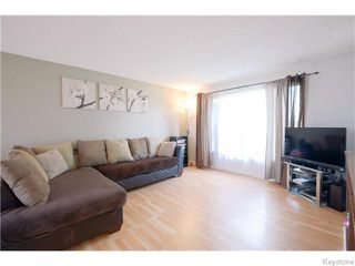 Photo 2: 542 Paufeld Drive in Winnipeg: North Kildonan Residential for sale (North East Winnipeg)  : MLS®# 1618479