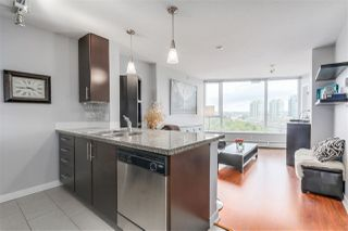 """Photo 2: 1010 688 ABBOTT Street in Vancouver: Downtown VW Condo for sale in """"FIRENZE TOWER II"""" (Vancouver West)  : MLS®# R2098083"""
