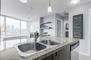 """Photo 4: 1010 688 ABBOTT Street in Vancouver: Downtown VW Condo for sale in """"FIRENZE TOWER II"""" (Vancouver West)  : MLS®# R2098083"""