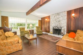 Photo 3: 1823 WINSLOW Avenue in Coquitlam: Central Coquitlam House for sale : MLS®# R2106691