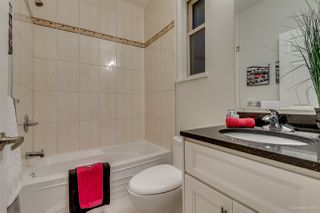 Photo 12: 1382 E 17TH Avenue in Vancouver: Knight House 1/2 Duplex for sale (Vancouver East)  : MLS®# R2115245