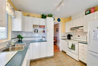 """Photo 5: 22 7330 122 Street in Surrey: West Newton Townhouse for sale in """"Strawberry Hills Estates"""" : MLS®# R2115848"""