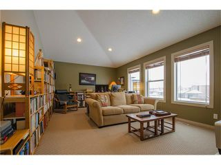 Photo 14: 76 STRATHLEA Place SW in Calgary: Strathcona Park House for sale : MLS®# C4092293