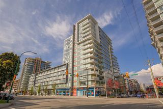 "Photo 1: 611 1783 MANITOBA Street in Vancouver: False Creek Condo for sale in ""The Residences at West"" (Vancouver West)  : MLS®# R2155834"