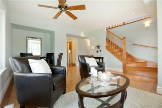 Photo 3: 10 Robert Street in Milton: Old Milton House (2-Storey) for sale : MLS®# W3846461
