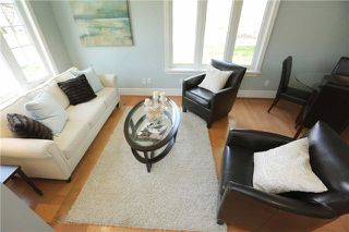 Photo 2: 10 Robert Street in Milton: Old Milton House (2-Storey) for sale : MLS®# W3846461