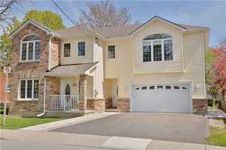 Photo 1: 10 Robert Street in Milton: Old Milton House (2-Storey) for sale : MLS®# W3846461