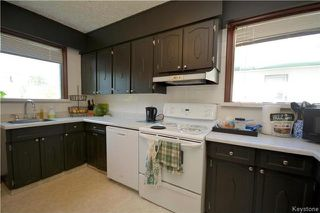 Photo 4: 914 Beach Avenue in Winnipeg: East Elmwood Residential for sale (3B)  : MLS®# 1718059