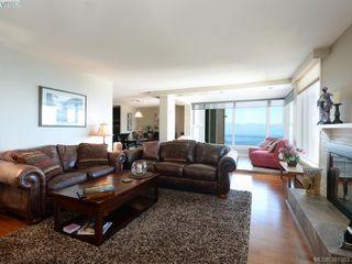 Photo 3: 701 670 Dallas Rd in VICTORIA: Vi James Bay Condo Apartment for sale (Victoria)  : MLS®# 766655
