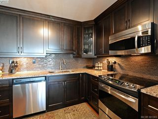 Photo 11: 701 670 Dallas Rd in VICTORIA: Vi James Bay Condo Apartment for sale (Victoria)  : MLS®# 766655