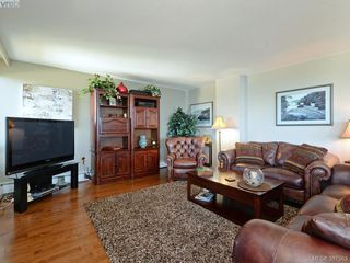 Photo 2: 701 670 Dallas Rd in VICTORIA: Vi James Bay Condo Apartment for sale (Victoria)  : MLS®# 766655