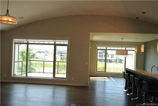 Photo 3: 23 Bridge Lake Drive in Winnipeg: Residential for sale (1R)  : MLS®# 1720828