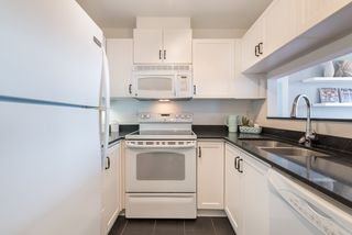 "Photo 4: 402 1353 W 70TH Avenue in Vancouver: Marpole Condo for sale in ""THE WESTERLUND"" (Vancouver West)  : MLS®# R2198649"