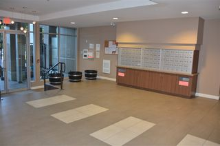 Photo 3: 417 55 EIGHTH Avenue in New Westminster: GlenBrooke North Condo for sale : MLS®# R2204155