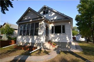 Photo 1: 313 Hampton Street in Winnipeg: St James Residential for sale (5E)  : MLS®# 1724191
