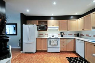 """Photo 2: 402 6737 STATION HILL Court in Burnaby: South Slope Condo for sale in """"THE COURTYARDS"""" (Burnaby South)  : MLS®# R2206676"""