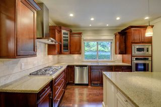 Photo 7: 2929 EDGEMONT Boulevard in North Vancouver: Edgemont House for sale : MLS®# R2221736