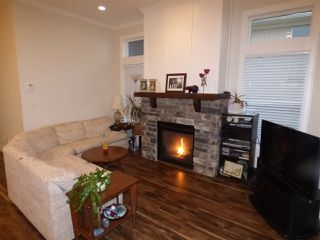 """Photo 5: 32 6026 LINDEMAN Street in Sardis: Promontory Townhouse for sale in """"HILLCREST LANE"""" : MLS®# R2236133"""