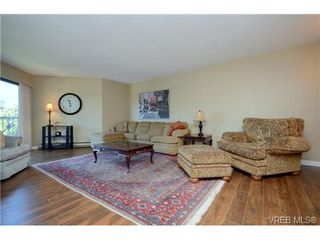 Photo 1: 325 1870 McKenzie Avenue in VICTORIA: SE Lambrick Park Residential for sale (Saanich East)  : MLS®# 340454