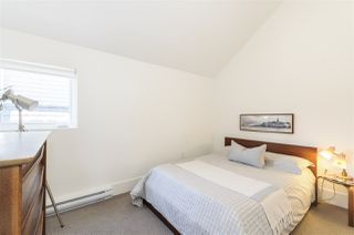 Photo 18: 1018 E 14TH Avenue in Vancouver: Mount Pleasant VE House 1/2 Duplex for sale (Vancouver East)  : MLS®# R2246905