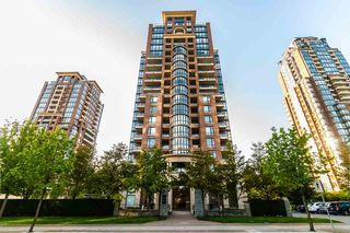 "Photo 2: 906 6833 STATION HILL Drive in Burnaby: South Slope Condo for sale in ""Villa Jardin"" (Burnaby South)  : MLS®# R2262247"