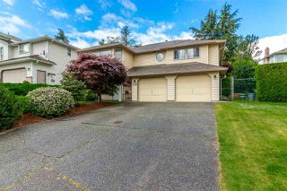 "Photo 2: 35983 EAGLECREST Place in Abbotsford: Abbotsford East House for sale in ""Mountain Village"" : MLS®# R2278175"