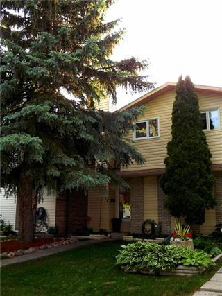 Photo 1: 34 Governor's Court in Winnipeg: Garden City Residential for sale (4F)  : MLS®# 1815840