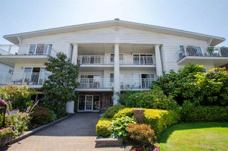 "Photo 1: 104 1066 W 13TH Avenue in Vancouver: Fairview VW Condo for sale in ""LANDMARK VILLA"" (Vancouver West)  : MLS®# R2283278"