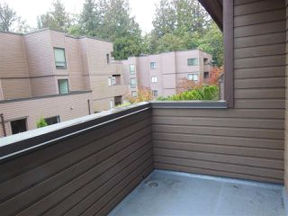 """Photo 7: 3295 MOUNTAIN Highway in North Vancouver: Lynn Valley Townhouse for sale in """"Village on the Creek"""" : MLS®# R2311264"""