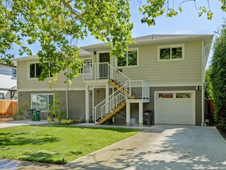 Photo 1: 4345 Shelbourne Street in VICTORIA: SE Gordon Head Single Family Detached for sale (Saanich East)  : MLS®# 400694