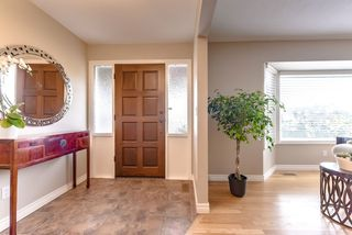 Photo 2: 1509 FERNWOOD Place in Port Moody: Mountain Meadows House for sale : MLS®# R2322631
