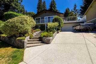 Main Photo: 4624 CEDARCREST Avenue in North Vancouver: Canyon Heights NV House for sale : MLS®# R2330673