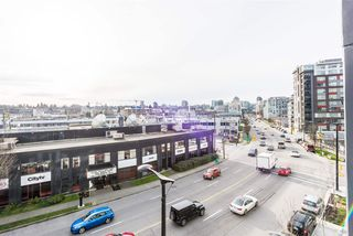 "Photo 15: 517 159 W 2ND Avenue in Vancouver: False Creek Condo for sale in ""Tower Green at West"" (Vancouver West)  : MLS®# R2332158"