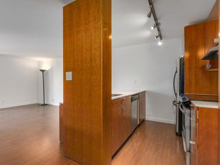 Photo 3: 708 1040 PACIFIC Street in Vancouver: West End VW Condo for sale (Vancouver West)  : MLS®# R2337728