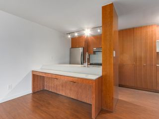 Photo 4: 708 1040 PACIFIC Street in Vancouver: West End VW Condo for sale (Vancouver West)  : MLS®# R2337728