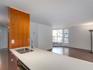 Photo 6: 708 1040 PACIFIC Street in Vancouver: West End VW Condo for sale (Vancouver West)  : MLS®# R2337728